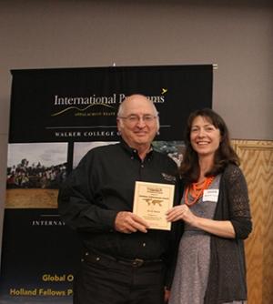 Al Harris receiving award